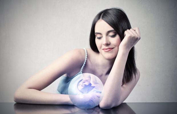crystalballwoman-620x400.jpg (620×400)