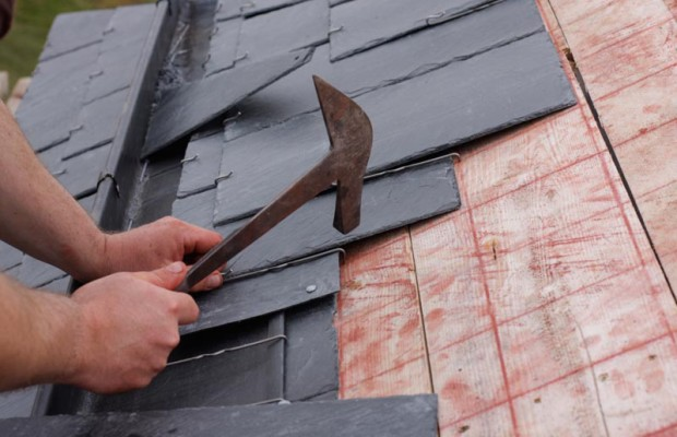 When the weather and seasons change new conditions bring potential new threats to the reliability of your roof. The intense heat during the summer can ... & How to Weather-Proof Your Roof For All Seasons - Family Friendly ... memphite.com